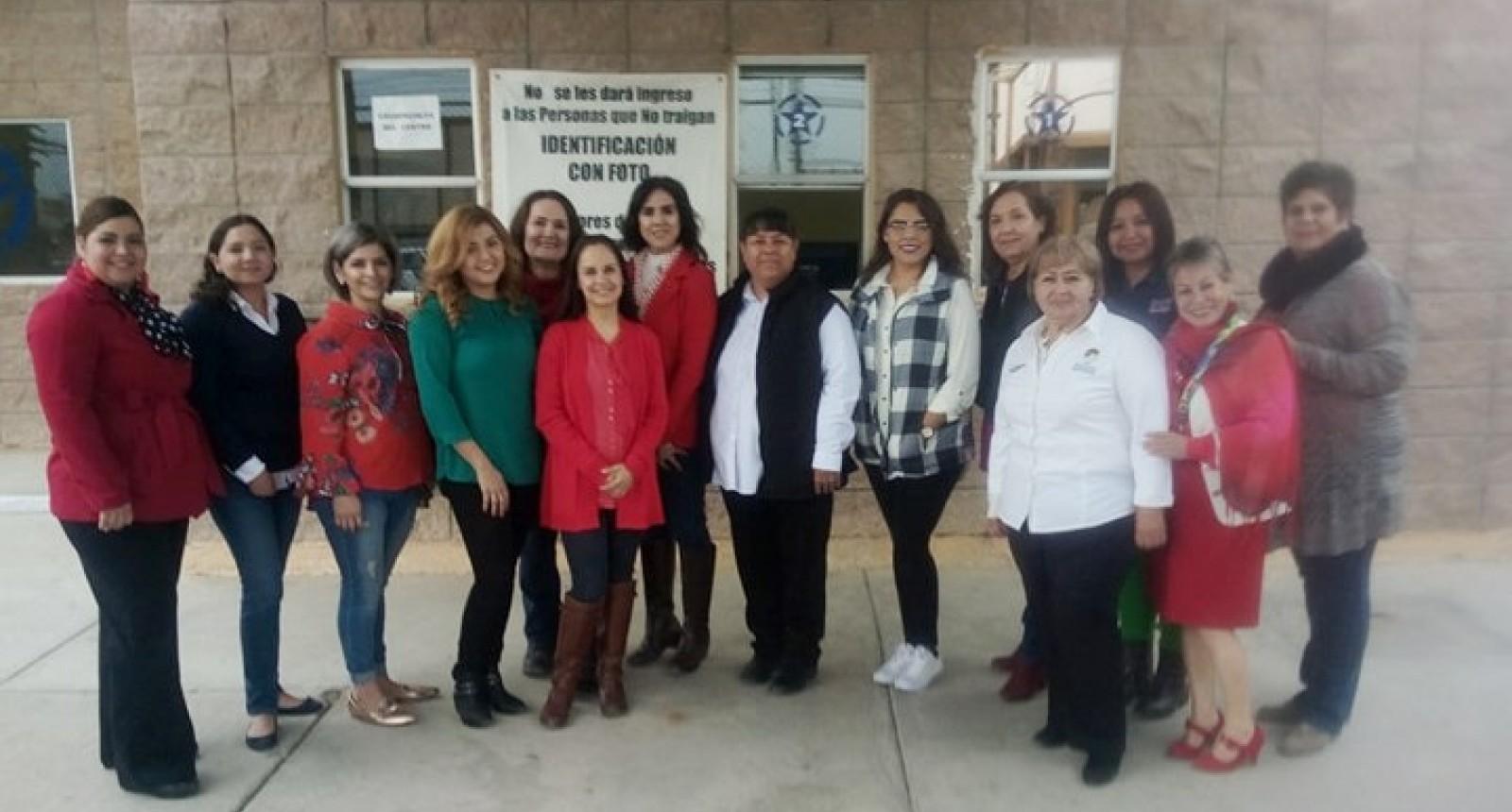 Conviven damas del voluntariado con mujeres del CERESO