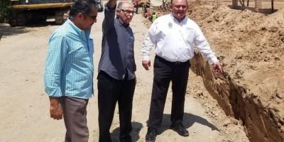 Alcalde Santos González Yescas visita obra en el poblado Nuevo Michoacán